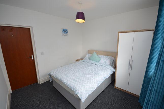 Thumbnail Studio to rent in Bedsit In Shared House, Kay Street, Darwen