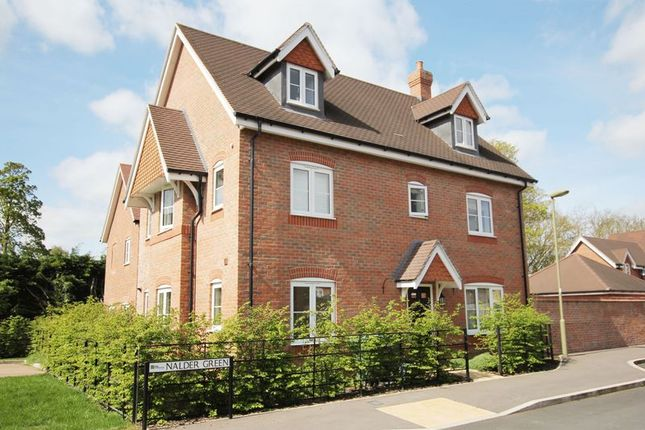 Thumbnail Detached house for sale in Nalder Green, East Challow, Wantage