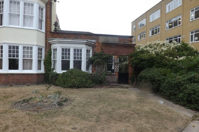Thumbnail Bungalow to rent in Castle Gardens, Hastings