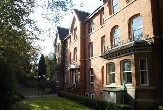 Thumbnail Flat to rent in Heaton Moor Road, Heaton Moor, Stockport