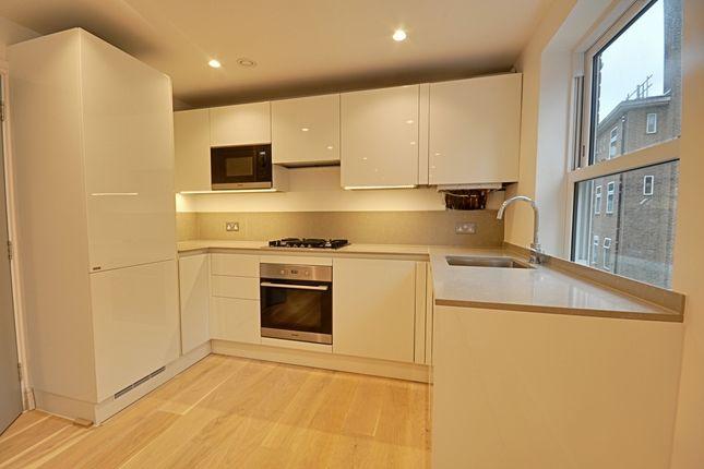 2 bed flat to rent in Walpole Court, Ealing Green, Ealing