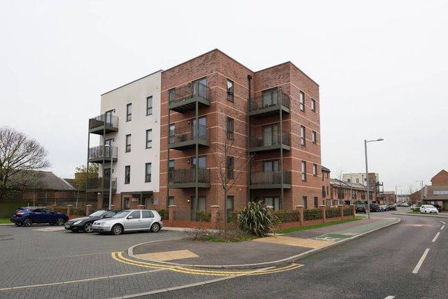 Thumbnail Flat to rent in Ager Avenue, Dagenham