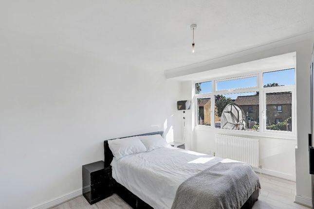 Thumbnail Flat to rent in Cuckoo Hall Lane, London