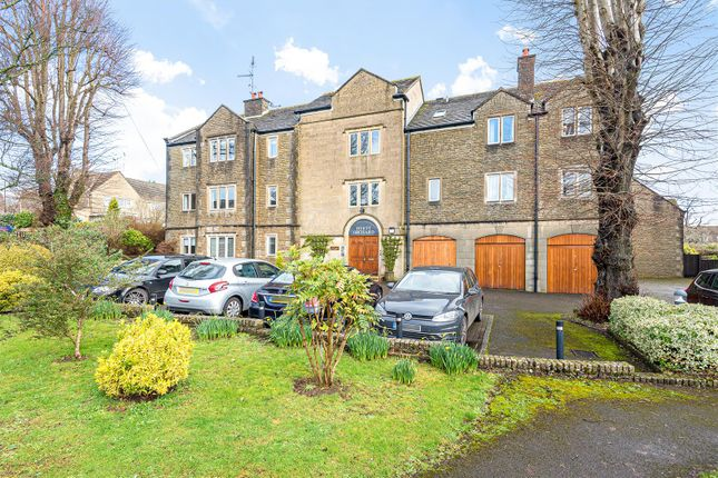 Thumbnail Flat for sale in Hyett Close, Painswick, Stroud
