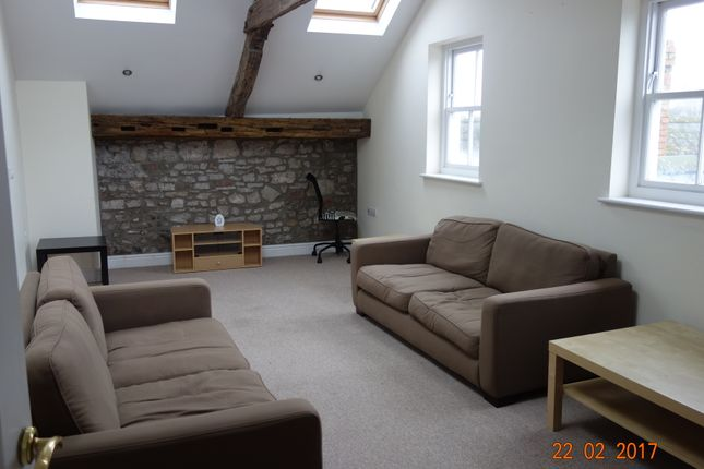 Thumbnail Flat to rent in Kensington House, Flat 5, Castle Lake, Haverfordwest.