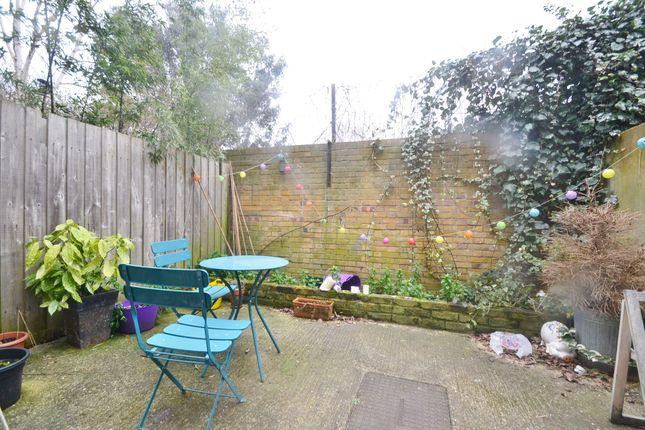 1 bed flat to rent in Allen Road, Stoke Newington N16