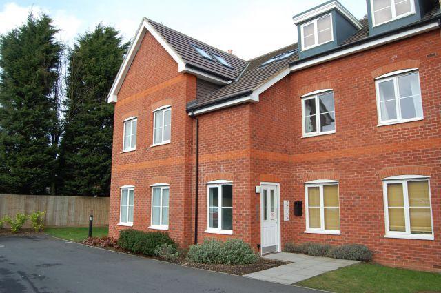 Thumbnail Flat to rent in Daneholme Close, Daneholme, Daventry