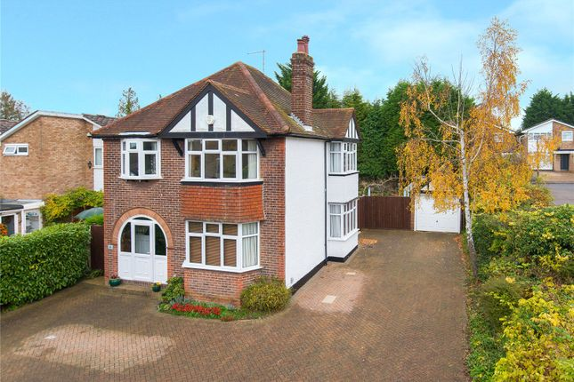 3 bed detached house for sale in Chiltern Avenue, Bushey