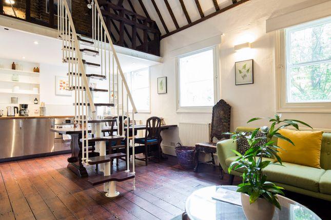 Thumbnail Town house to rent in Lamb Lane, London