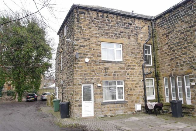 Thumbnail Town house to rent in Leeds Road, Woodkirk, Dewsbury