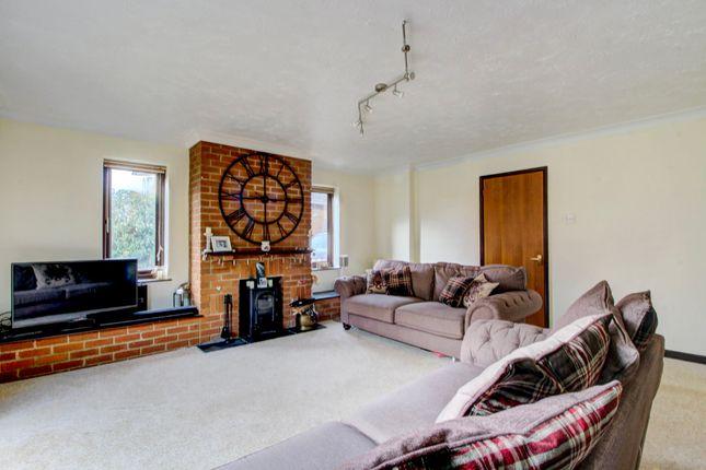 Lounge (2) of Wicken Road, Deanshanger, Milton Keynes MK19