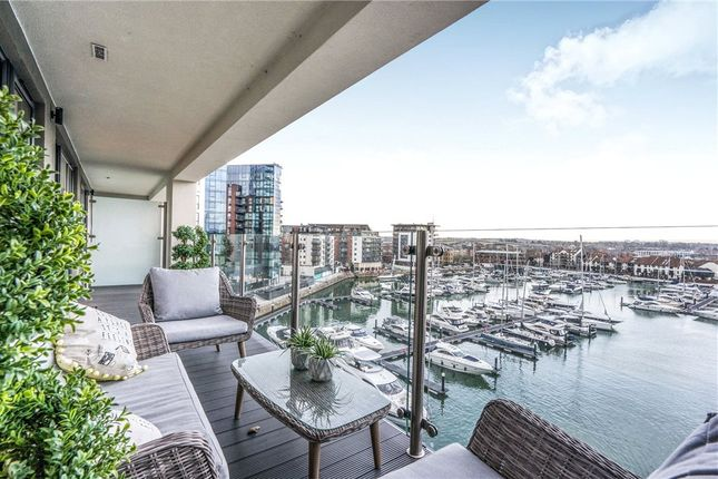 Thumbnail Flat for sale in Alexandra Wharf, 2 Maritime Walk, Southampton