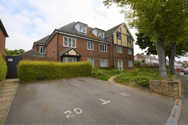 2 bed flat to rent in Dane Park Road, Ramsgate CT11