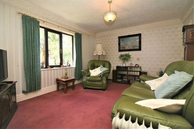 Thumbnail Flat for sale in Highgrove Close, Bolton