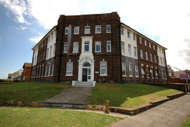 1 bed flat to rent in Goodwin Court, Palm Bay Ave, Margate