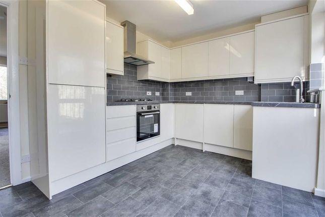 2 bed terraced house to rent in Sharman Walk, Bradwell, Milton Keynes