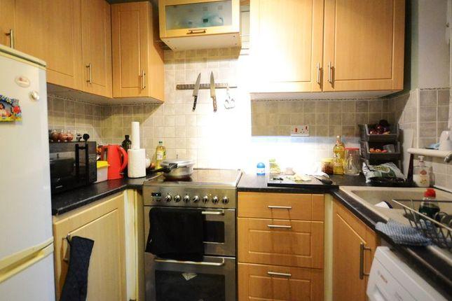 Thumbnail Semi-detached house to rent in Sandstone Close, Winnersh, Wokingham