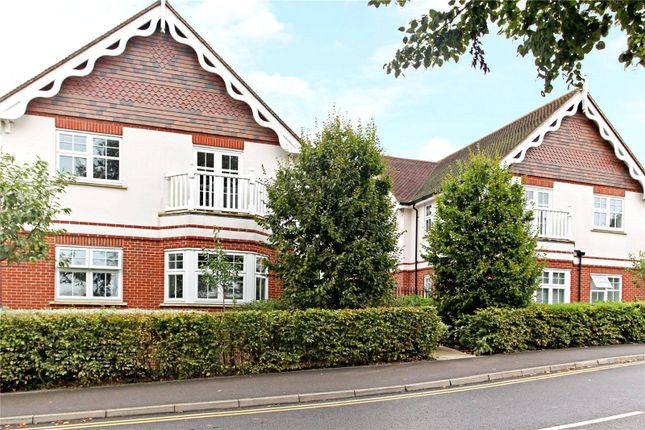 Thumbnail Flat for sale in Pewley Heights, Semaphore Road, Guildford, Surrey