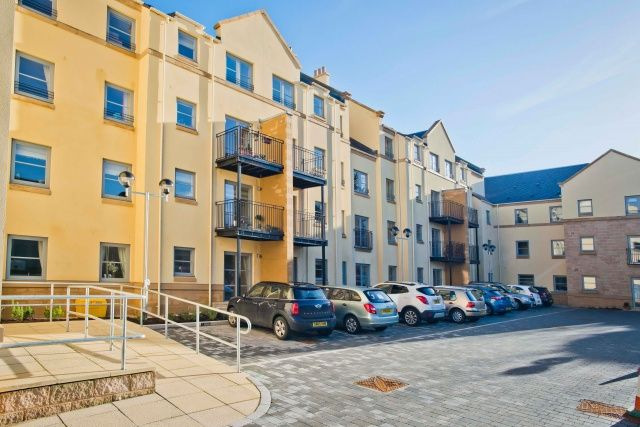 Thumbnail Property for sale in High Street, Linlithgow, West Lothian