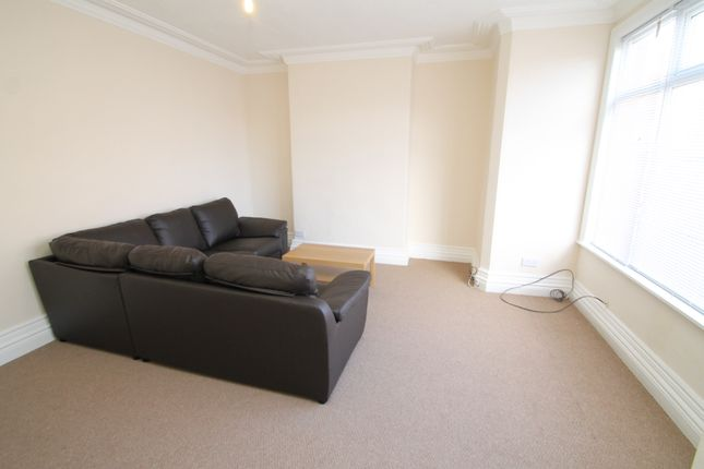 Thumbnail End terrace house to rent in Roman View, Roundhay, Leeds