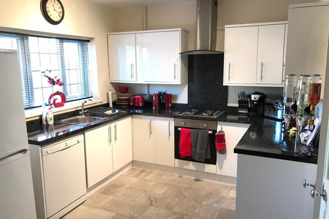 1 bed semi-detached house to rent in Hay Lane, Solihull