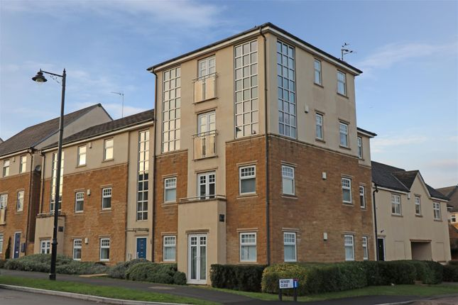 Flat to rent in High Royds Drive, Menston, Ilkley