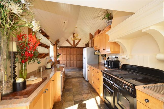 5 bed detached house for sale in Perry Lane, Wingham, Canterbury, Kent