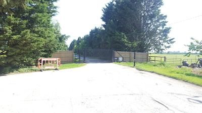 Photo of Yard Space At Alden Farm, Aldens Lane, Upton, Didcot OX11