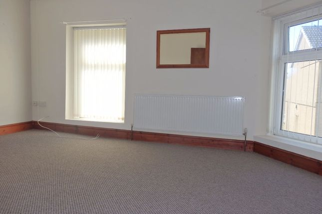Thumbnail Flat to rent in New Dock Road, Llanelli
