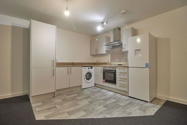 1 bed flat to rent in High Street, Barwell, Leicestershire LE9