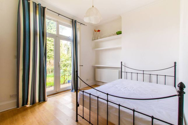 Thumbnail Flat to rent in Dollis Park, Finchley, London