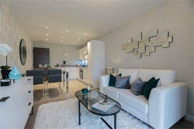 Thumbnail Flat for sale in Howlands, Welwyn Garden City, Hertfordshire