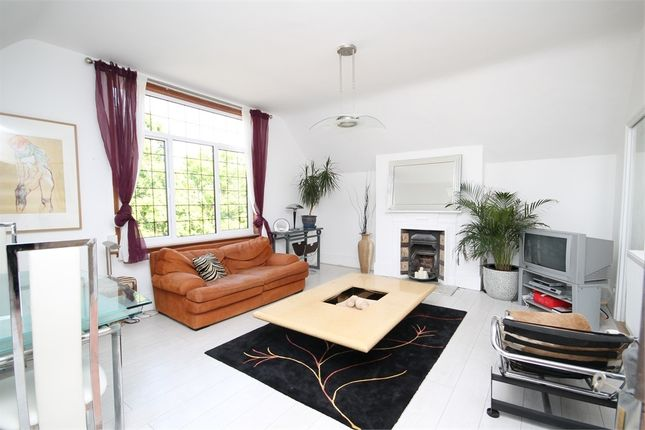 Flat for sale in Grove Road, Willesden Green, London