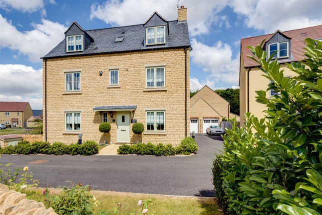 Thumbnail Detached house for sale in Merlin Close, Moreton-In-Marsh