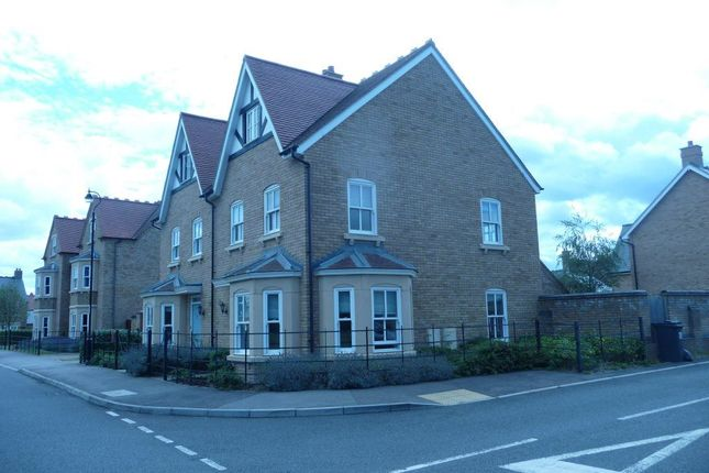 Thumbnail Town house to rent in Bronte Avenue, Stotfold, Hitchin