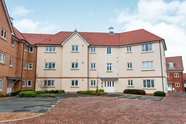 Thumbnail Flat for sale in Kensington Way, Polegate