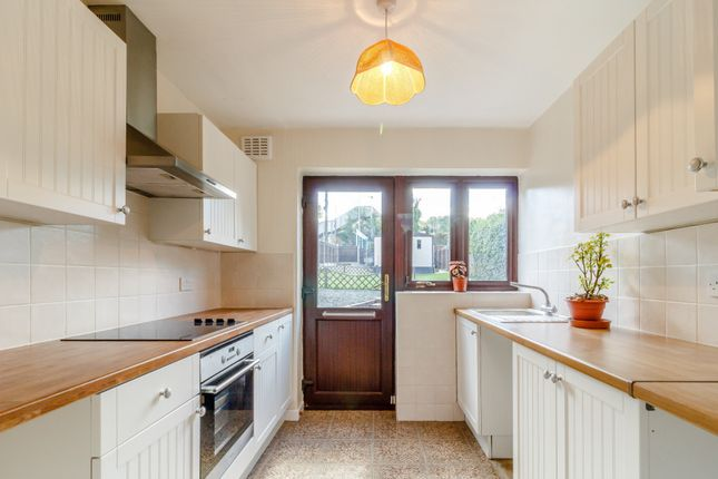 Fabulous A Larger Local Choice Of Properties To Rent In Longfield Beutiful Home Inspiration Xortanetmahrainfo