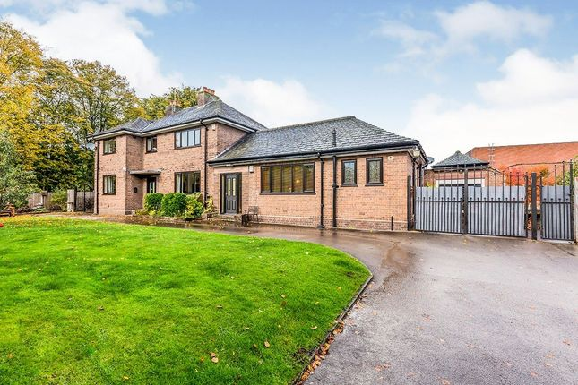 Thumbnail Detached house for sale in Chester Road, Holmes Chapel, Crewe