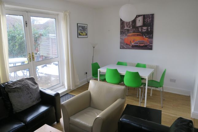 Thumbnail Shared accommodation to rent in Chaworth Road, Nottingham, England