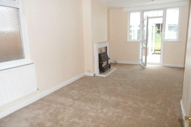 Thumbnail Bungalow to rent in Roman Road, Leagrave, Luton