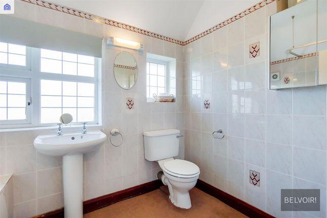 Family Bathroom of Upland Road, Sutton SM2