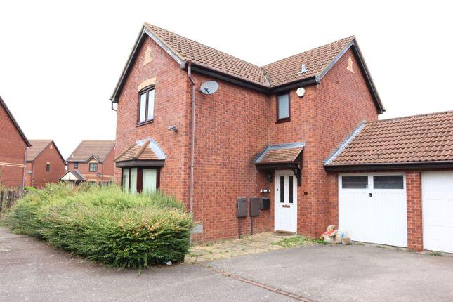 3 bed detached house to rent in Hawkshead Drive, Emerson Valley, Milton Keynes, Buckinghamshire MK4
