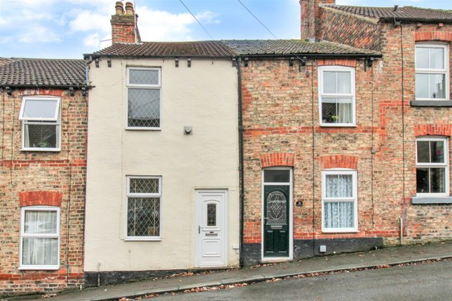 2 bed terraced house for sale in Lickley Street, Ripon HG4