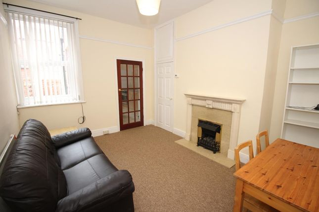 2 bed flat to rent in Audley Road, South Gosforth, Newcastle Upon Tyne NE3