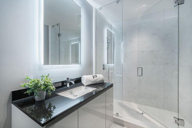 Shower And Wash Basin - Apt 1601 - Porsche Design Tower Miami