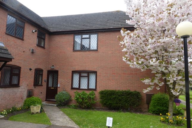 Thumbnail Flat for sale in Hucclecote Road, Hucclecote, Gloucester