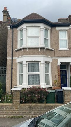 Thumbnail Flat for sale in Cottenham Road, London