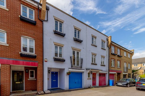 Thumbnail Town house for sale in Edgar Wallace Close, Peckham