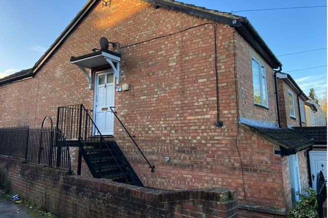 Thumbnail Flat to rent in St James Road, Sevenoaks, Kent