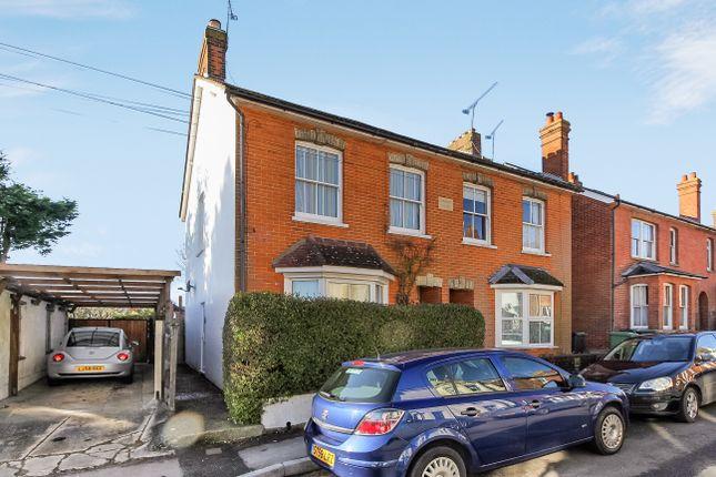 Thumbnail Maisonette to rent in Park Close Road, Alton